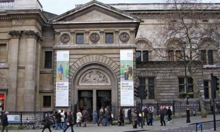 National Portrait Gallery commissions new portrait of Zadie Smith by Toyin Ojih Odutola